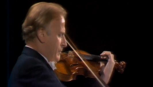 Yehudi Menuhin interprète le Concerto pour violon de Beethoven